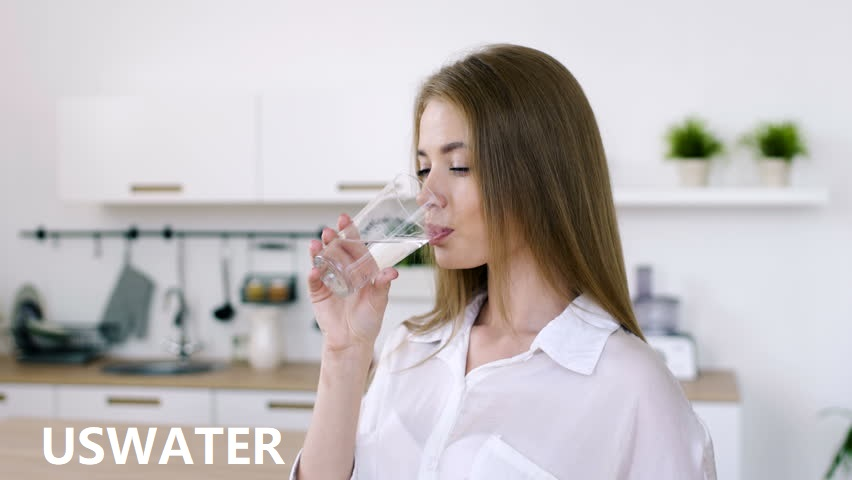 我们每天应该消耗多少水